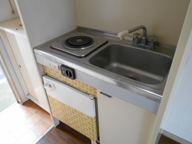 ホワイトウイング連光寺Ⅱ 202号室のキッチン