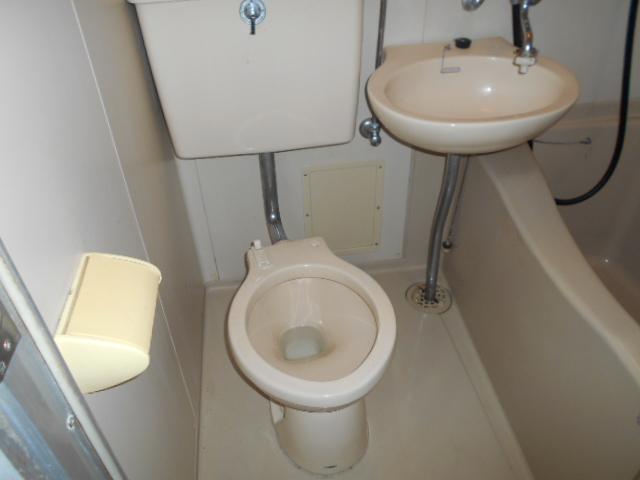 ホワイトウイング連光寺Ⅱ 202号室のトイレ