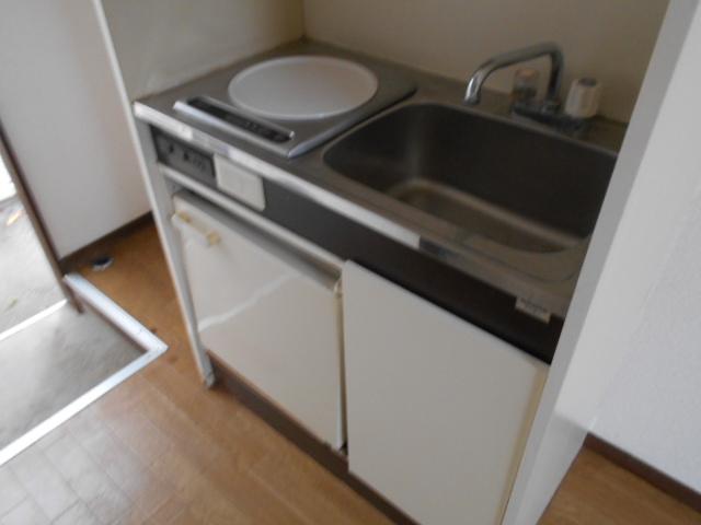 ホワイトウイング連光寺Ⅲ 104号室のキッチン