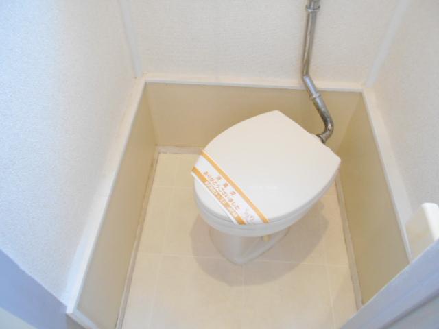アーバンハイツ高幡 203号室のトイレ