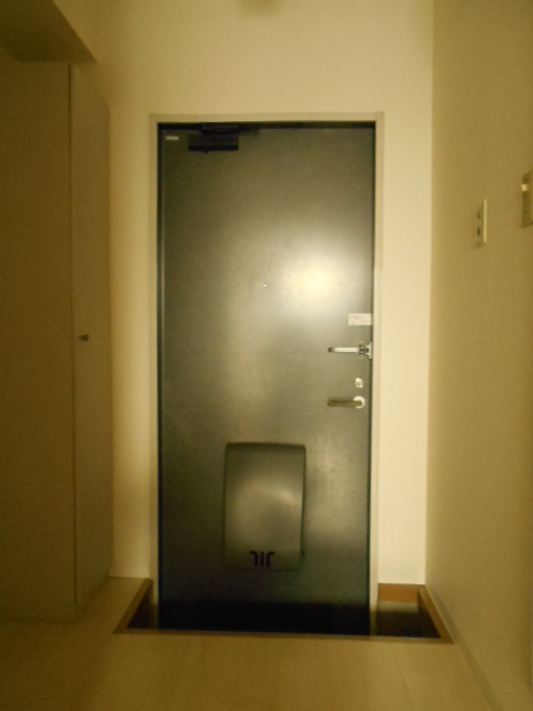 ジュネスハイム 105号室の玄関