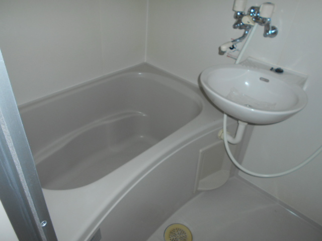 ジュネスハイム 105号室の風呂