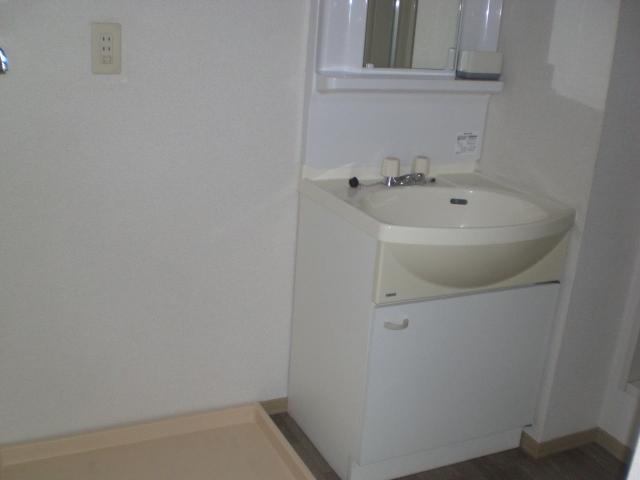 ガーデンハイツB 102号室の洗面所