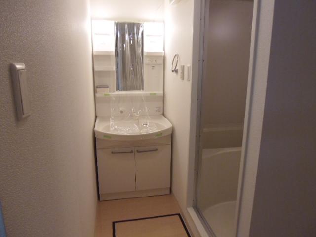 ルネス カーサ 104号室の洗面所