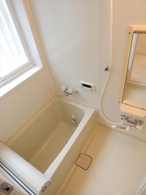 下新郷貸家2号棟の風呂