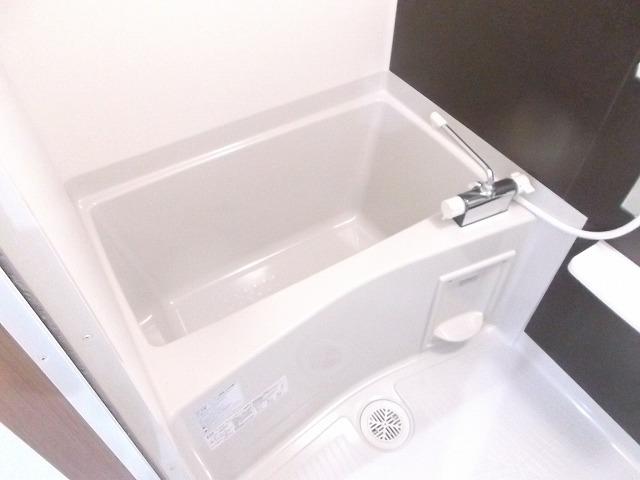 LEXE明大前 501号室の風呂