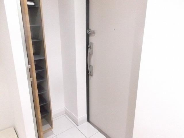 LEXE明大前 501号室の玄関