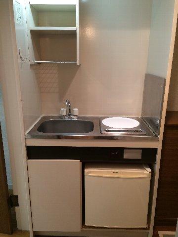 第8小野ハイム 103号室のキッチン