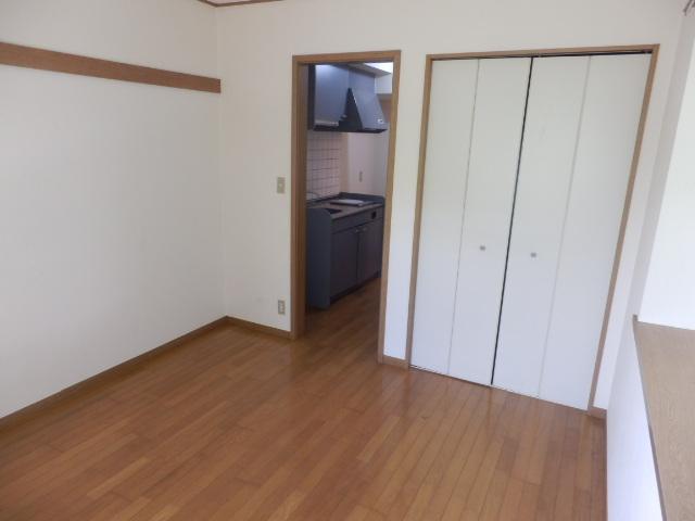 ルネッサンス向ヶ丘 201号室のベッドルーム