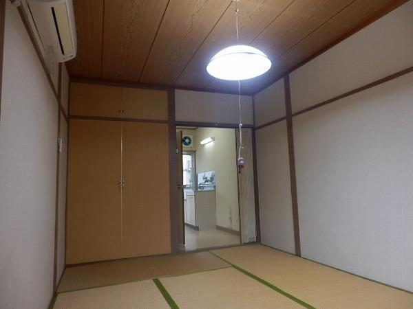 アビタシオン生田第2 103号室のリビング