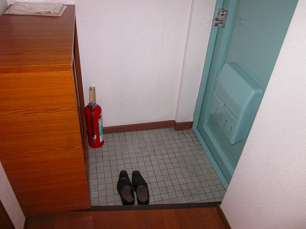 メゾン赤松 502号室の玄関