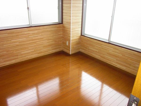 メゾン赤松 502号室のリビング