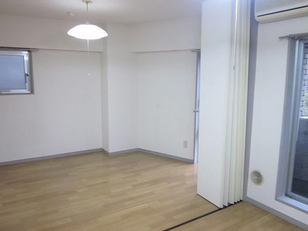 トーレタケダ 205号室のリビング