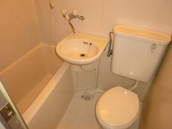小山ビル 301号室の風呂