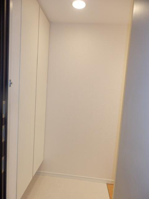 クリオ上野毛ラ・モード 105号室の玄関