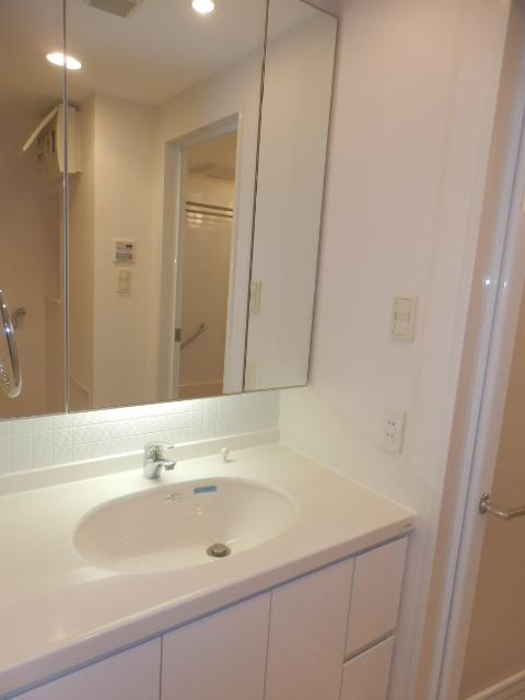 クリオ上野毛ラ・モード 105号室の洗面所