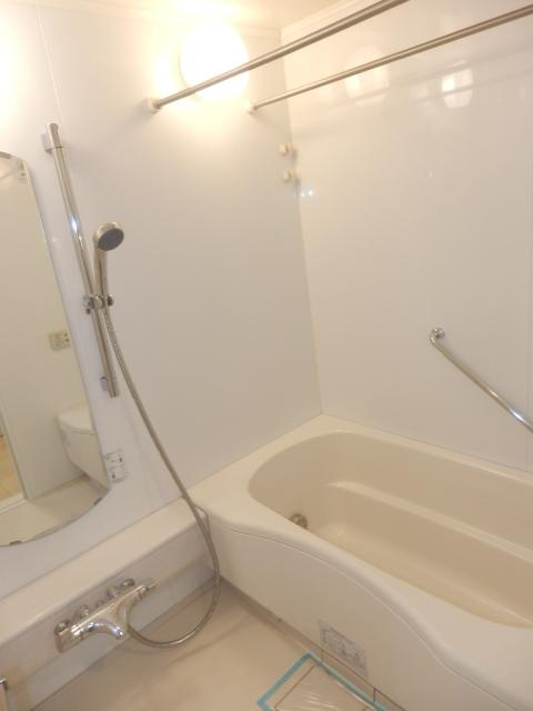 クリオ上野毛ラ・モード 105号室の風呂