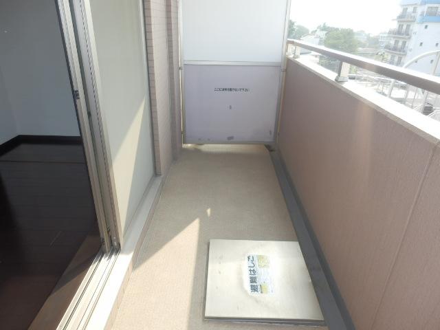 クリオ上野毛ラ・モード 605号室のバルコニー