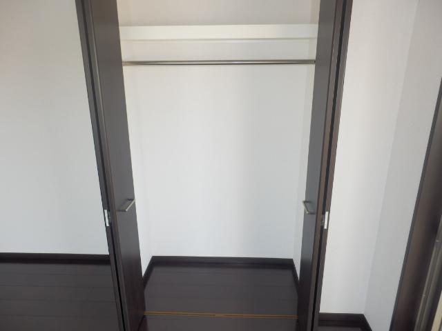 クリオ上野毛ラ・モード 605号室の収納