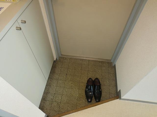 グランドヒル キクヤ 306号室の玄関