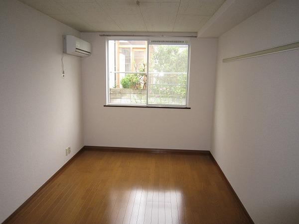 シングルス大岡山 104号室のリビング