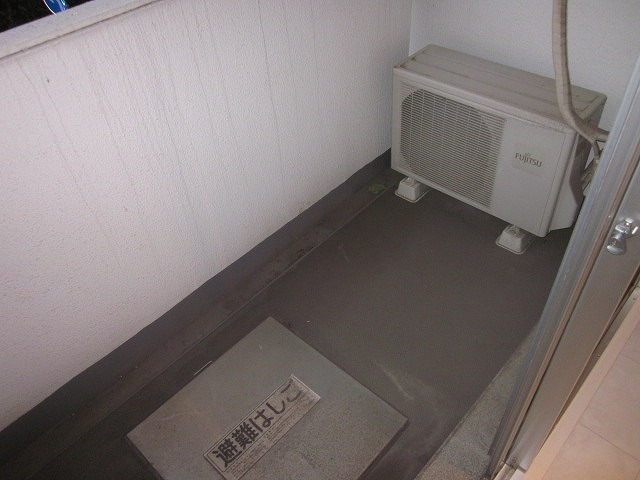 鉄飛坂マンション 201号室のバルコニー