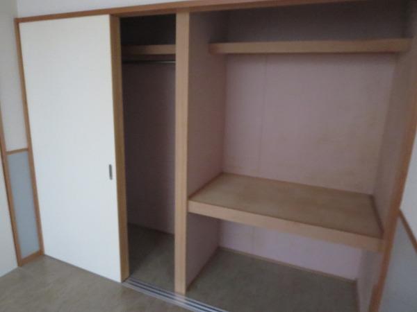 ヴィソカ 1B号室の収納