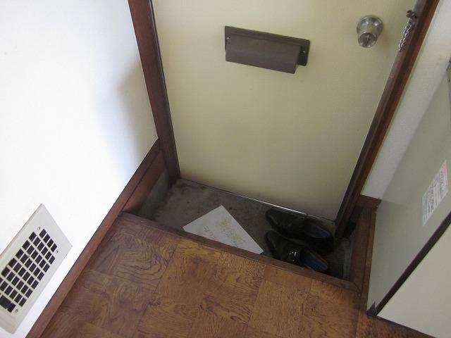 ミニメゾン 103号室の玄関