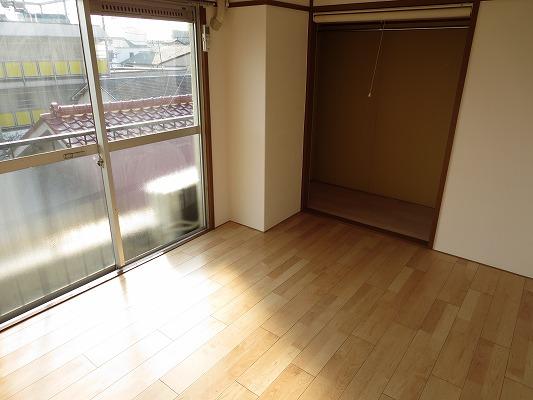 小野ハイツ 302号室のリビング