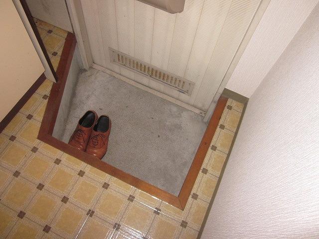 リマ洗足 102号室の玄関