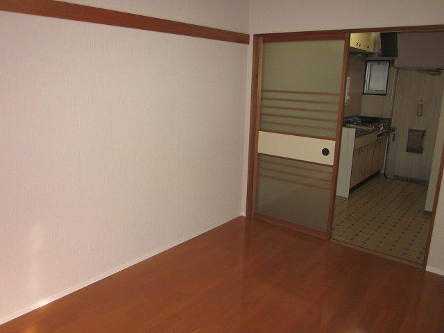 リマ洗足 102号室のリビング