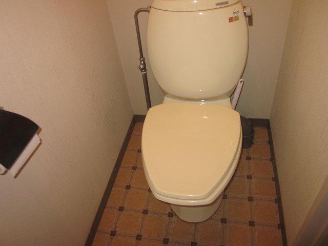 リマ洗足 102号室のトイレ