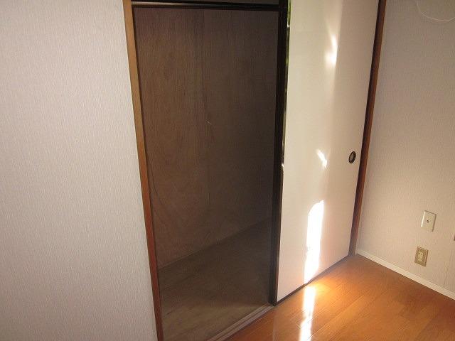 リマ洗足 102号室の収納