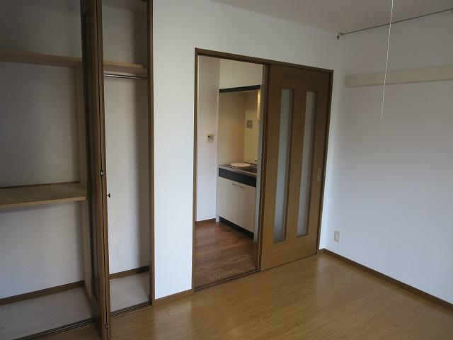 エクセルコート大岡山 205号室のリビング