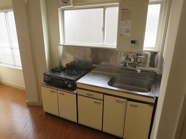 文栄マンション 402号室のキッチン