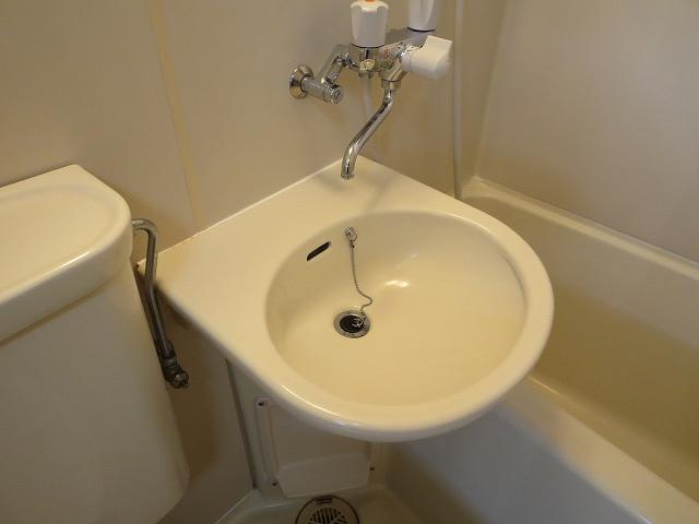 リベラルⅡ 305号室の洗面所