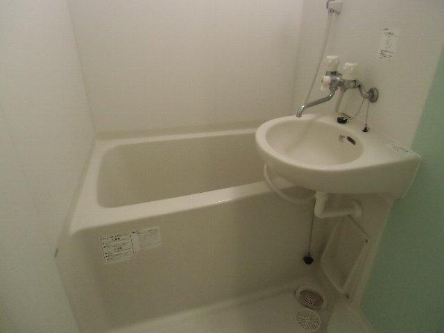 ルミエール 105号室の風呂