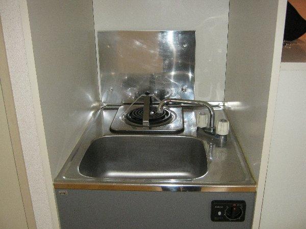 エルミタージュ 205号室のキッチン