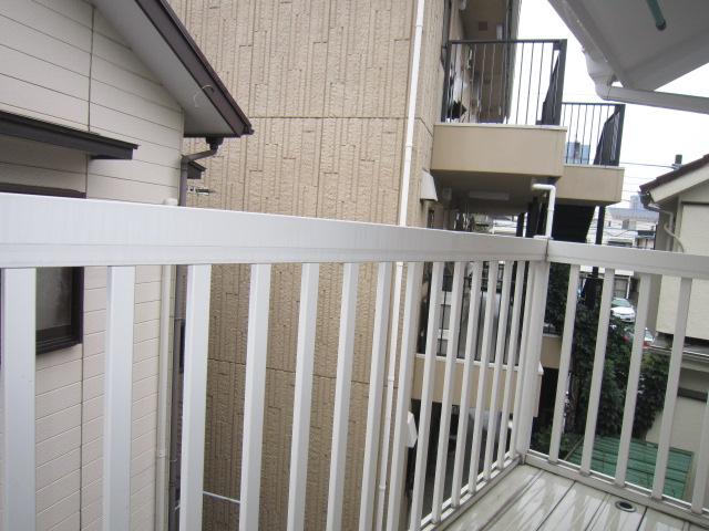 三松ハウス 205号室のバルコニー