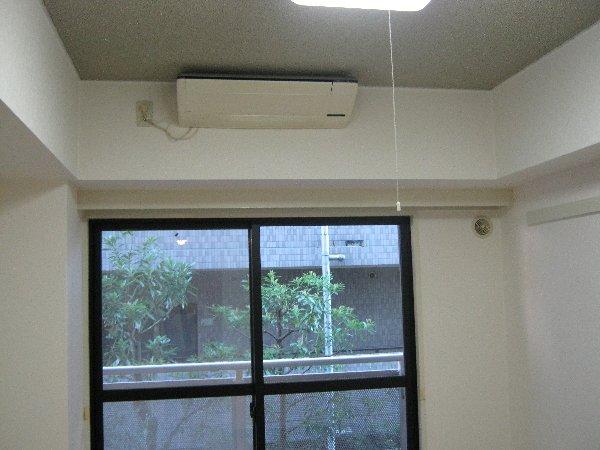 コスモハイム元住吉 316号室のリビング