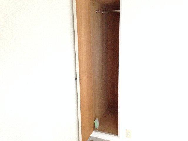 コートドオルウチダ 202号室の収納