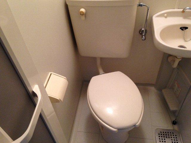コートドオルウチダ 202号室のトイレ