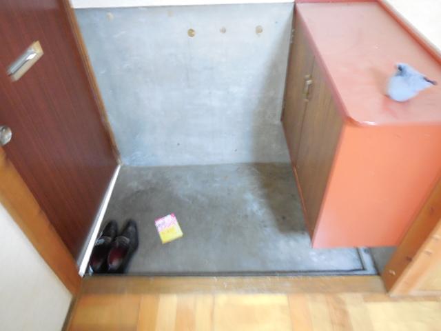 三孝荘 201号室の玄関