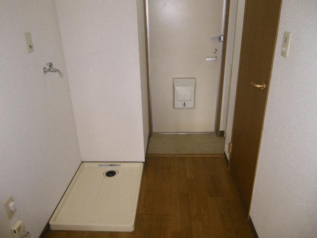 セグンド山星 402号室の玄関