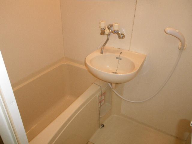 セグンド山星 403号室の風呂