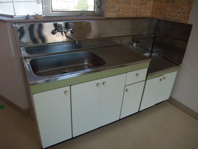 アイカワハイツ D-3号室のキッチン