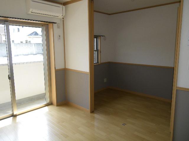 ラバーゼ 204号室の居室