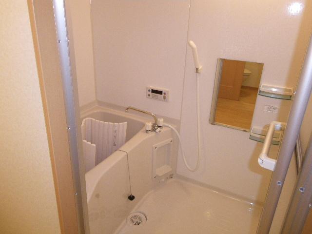 ラバーゼ 204号室の風呂