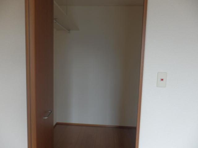 アルフェッカA 201号室の収納