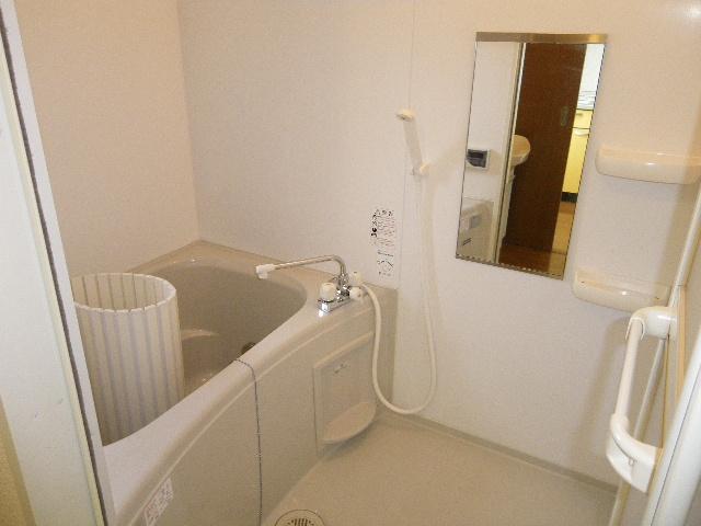 アルフェッカA 201号室の風呂